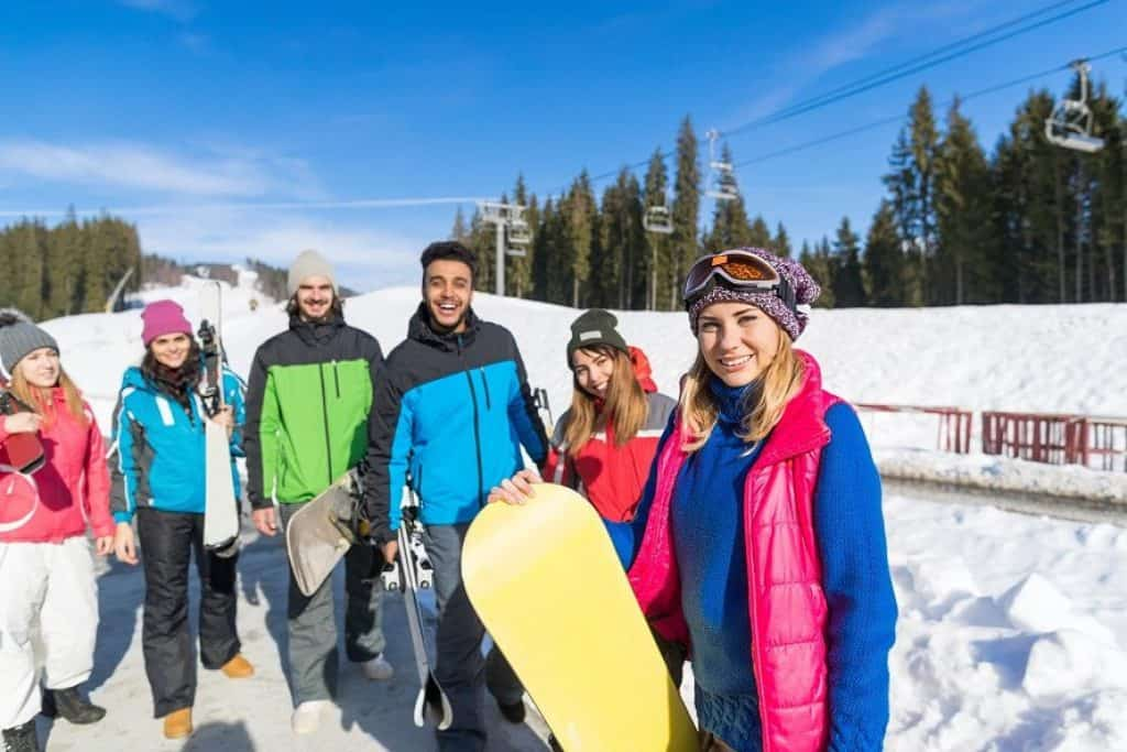 4 Tips from Experts: Should You Listen To Music While Skiing? 11